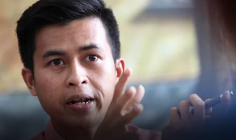 Merugikan Jokowi