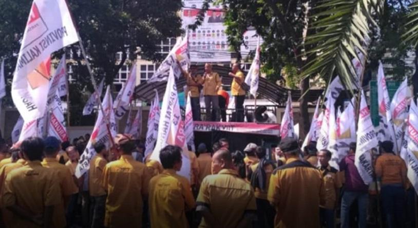 Ribuan Kader Hanura Geruduk KPU, Perjuangkan Pencalonan OSO