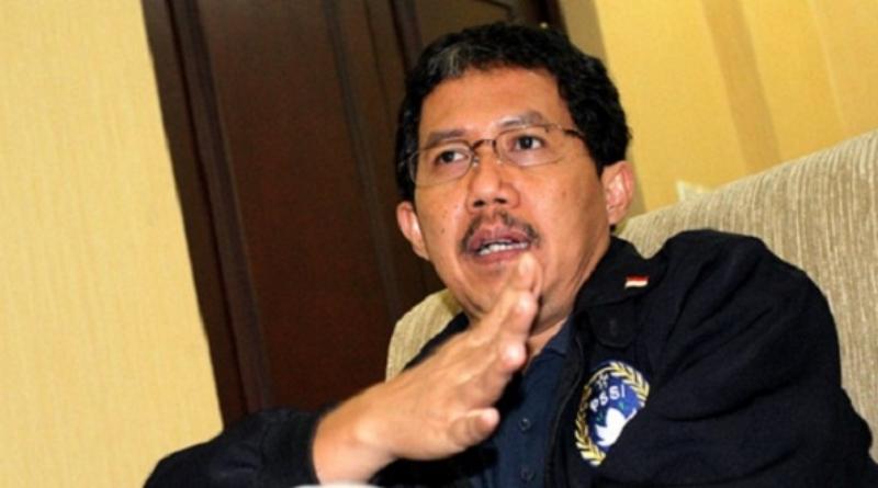 Netizen: Kenapa Tidak Semua Pengurus PSSI Ikut Mundur?