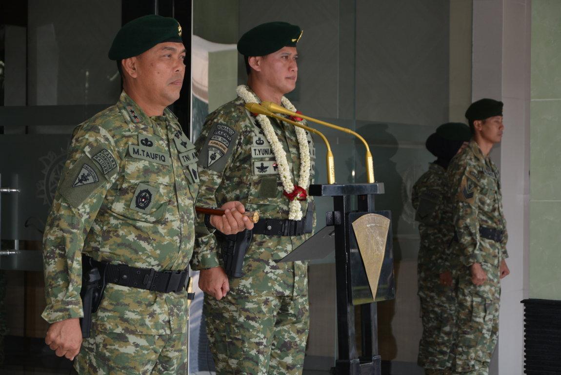 Pangdivif 2 Kostrad Pimpin Tradisi Penerimaan Brigjen TNI Tri Yuniarto (2)