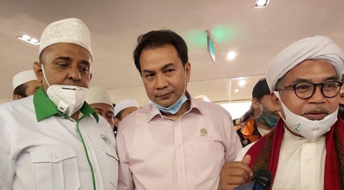 Yusuf Martak Curiga Ada Penyusup Sengaja Bakar Bendera PDIP